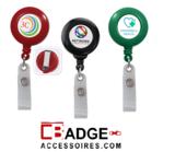 Kleine ronde kunststof badge jojo voorzien van logo sticker, tevens verkrijgbaar met extra gelamineerde laag