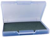 Transparant blauwe kunststof kofferommax.80 badgesvoor beurs, congres of andere