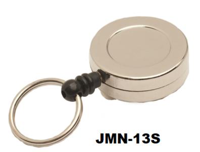 Deze metalen mini jojo (30 x 10 mm) met 75 cm trekkoord, 25 mm sleutelring en een stevige riemclip geschikt voor professioneel